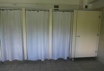 alt='Sanipol Realizacje - Kabiny sanitarne natryskowe' title='Sanipol Realizacje - Kabiny sanitarne natryskowe'